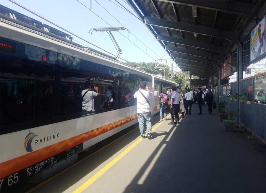 Layanan KA Bandara Soekarno-Hatta di Stasiun Bekasi